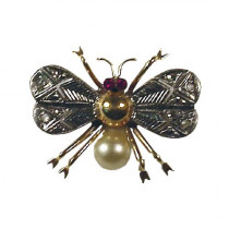 Medium gold fly brooch